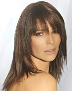 coiffure avec frange droite degrade