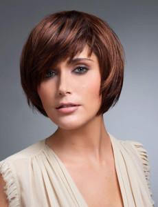 coiffure courte au carre femme