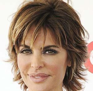 coiffure courte visage carre femme