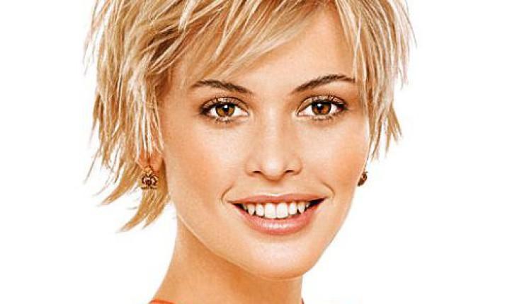 coiffure femme visage carré