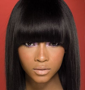 coiffure frange femme noire