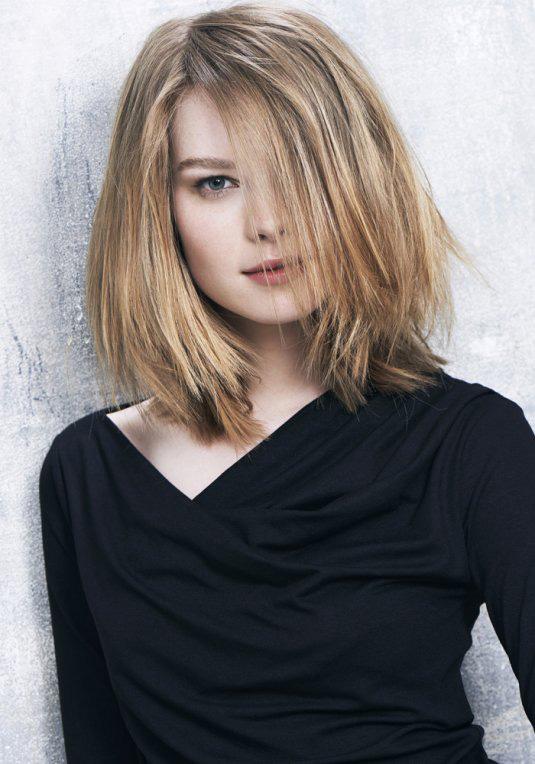 Coupe de cheveux carre mi long - Modele coupe carre plongeant mi long ...