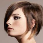 coupe de cheveux en carre plongeant