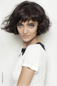 coupe de cheveux femme frange courte