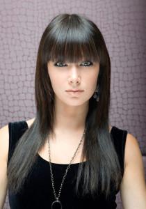 coupe frange droite cheveux long