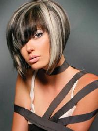 modèle coupe de cheveux carre plongeant avec frange