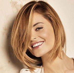 photo coiffure visage carre femme